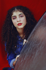 Cherry Coke (TheJennire) Tags: photography fotografia foto photo canon camera camara colours colores cores light luz young tumblr indie teen adolescentcontent redandblue naturallight curlyhair makeup portrait 2018 summer denim sp sãopaulo brasil brazil retro 90s