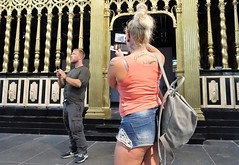 Nieuwe Kerk (theo_vermeulen) Tags: amsterdam museum candid tattoo phone photographer girl street