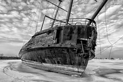 Shipwreck La Grande Hermine - 2059 (RG Rutkay) Tags: jordanharbour lagrandehermine lakeontario abandoned shipwreck winter monochrome flickrfriday ship wreck ice snow clouds