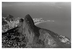 Morro Dois Irmãos, Vista da Pedra da Gávea (Herbert Macário) Tags: morrodoisirmãos vistadapedradagávea riodejaneiro brasil trilha herbertmacaio