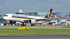 9V-SMI (AnDyMHoLdEn) Tags: singaporeairlines a350 staralliance egcc airport manchester manchesterairport 23r