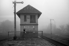 Więcbork (pedro4d) Tags: fuji gw690 kodak px125 self developed fomadon excel w27 blackandwhite monochrome czarnobiałe schwarzweiss pkp plk kolej railway nastawnia film analog medium format polska poland polen fog mgła nebel jesień autumn fall herbst podzim