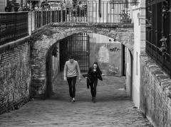""" Mucho bruto "" (pigianca) Tags: italy siena writer streetphoto urbanphoto monochrome blackwhite leicam10 summicron35mmf2sevenlenses"