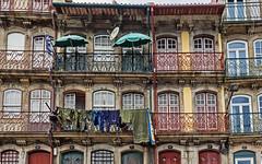 Edificios en Cais da Ribeira, Porto (Portugal) (Miguelanxo57) Tags: arquitectura edificios cascoviejo bairrodaribeira porto oporto portugal