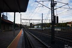 Estación de tren de Vilagarcia (Ismael Owen Sullivan) Tags: foto fotografia digital d5300 nikon dark shadow galicia vilagarcia travel photography tren estacion arquitectura