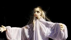 La Femme en Blanc - 6137 (ΨᗩSᗰIᘉᗴ HᗴᘉS +27 000 000 thx) Tags: white whitewoman femme femmeenblanc halloween hensyasmine namur belgium europa aaa namuroise look photo friends be wow yasminehens interest intersting eu fr greatphotographers lanamuroise