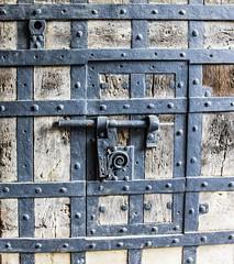 Windows I (Thomas Mayer) Tags: fenster windows holz wood eisen iron alt old antik historic tür door