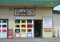 Goodie's Delicatessen (afagen) Tags: california pacificgrove montereypeninsula goodiesdelicatessen goodies restaurant deli delicatessen
