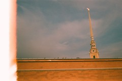 91000001 (nastja.sova) Tags: sky tower fortress peterandpaulfortress saintpetersburg steeple spire birds summer film filmphoto smena smena8m пленка 35mm 35мм смена смена8м пленочнаяфотография санктпетербург небо петропавловскаякрепость крепость шпиль