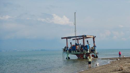 Sailboat launcing