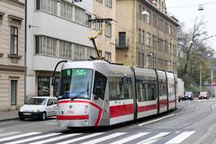 BRN_1932_201811 (Tram Photos) Tags: skoda škoda 13t brno brünn strasenbahn tram tramway tramvaj tramwaj mhd šalina dopravnípodnikměstabrna dpmb