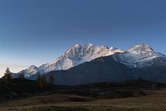 Iniziando il giorno (cesco.pb) Tags: passodelsempione switzerland svizzera alps alpi canon canoneos60d tamronsp1750mmf28xrdiiivcld vallese montagna mountains alba dawn sunrise fletschhorn