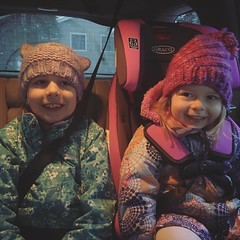 Mornings With The Munchkins (matthewkaz) Tags: madeleine norah daughter daughters child children sisters car honda pilot carseat eastlansing michigan 2019