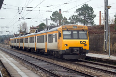 CP 592 | Pampilhosa (Fábio-Pires) Tags: portugal cp 592 cp592 pampilhosa macosa cpregional linhadonorte diesel tracçãodiesel automotora railcar