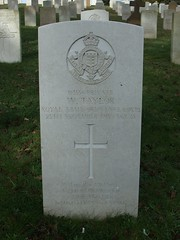 Private W. Taylor (Living in Dorset) Tags: wargrave wardead grave headstone wwi aldershotmilitarycemetery aldershot hampshire england uk gb 1915 wtaylor