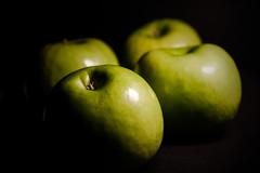 Green apples (Jose Rahona) Tags: fruta fruit fruits apples manzanas green frutas stilllife bodegon
