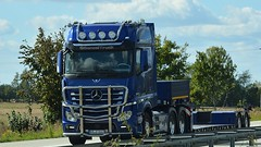 D - nameless MB New Actros Gigapscae (BonsaiTruck) Tags: nameless mb actros lkw lastwagen lastzug truck trucks lorry lorries camion caminhoes