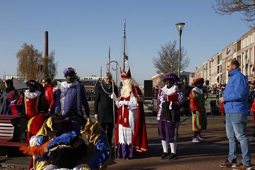 "Intocht Sinterklaas by Remko Schotsman <a style=""margin-left:10px; font-size:0.8em;"" href=""http://www.flickr.com/photos/44627450@N04/32233675168/"" target=""_blank"">@flickr</a>"