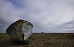 Boats on Dungeness Shingle Beach (Clare Havill) Tags: red nikon d610 afs nikkor 2470mm f28g ed lens with dungeness shingle december landscape natural light romney marsh grass sky field nikond610 nikonafsnikkor2470mmf28gedlens nikond610withnikonafsnikkor2470mmf28gedlens sea beach blue colour white