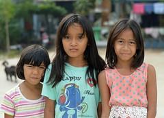 pretty girls (the foreign photographer - ฝรั่งถ่) Tags: three pretty girls children khlong lard phrao portraits bangkhen bangkok thailand nikon d3200