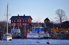 Snart klar - blåmålade Djurgården 11 (Franz Airiman) Tags: båt boat ship fartyg stockholm sweden scandinavia djurgårdsfärjan djurgårdslinjen sl kollektivtrafik pendling publictransport
