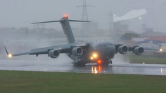 1225 Boeing C-17A Globemaster III United Emirates Air Force. (P.J.V Martins Photography) Tags: 1225 boeing c17 globemaster fog rain plane aeroplane aircraft cargo transport lisboa lisbon uae