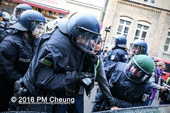 Demonstration: Der Wunsch nach Freiheit lässt sich nicht verbieten! – 01.12.2018 – Berlin - IMG_0099 (PM Cheung) Tags: 25jahrepkkverbot ypg kurden polizei polizeigesetze berlin derwunschnachfreiheitlässtsichnichtverbieten derwunschnachfreiheitlässtsichnichtverbietengemeinsamgegenpolizeigesetze pkkverbotundnationalismus bundesweitedemonstration interventionistischelinke kurdistan rojava türkei 01122018 demonstration demo pag polizeiaufgabengesetz kurdendemonstration pmcheung protest repression überwachung bundesinnenministerhorstseehofer kundgebung 2018 protestfotografie pomengcheung mengcheungpo auftaktkundgebung wwwpmcheungcom aufhebungpkkverbot afd facebookcompmcheungphotography polizeistaat arbeiterparteikurdistans protestveranstaltung rotehilfeev partiyakarkerênkurdistanê ernk bundesinnenministerrudolfseiters auseinandersetzungen rangeleien diepkkgehörtzudeutschland serihilde