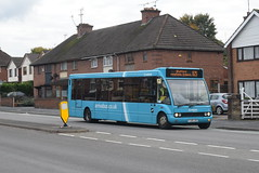 AMN 2447 @ Wharf Road, Rugeley (ianjpoole) Tags: arriva midlands optare solo m1020 yj05jxu 2447 working route 825 lichfield bus station stafford general hospital