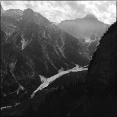 34. (ionatura) Tags: hasselblad 500c sonnar 150mm ilford delta 400 d76 11 alps alpen berge mountains