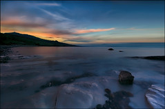 Il gioco dell'acqua quieta (Gio_guarda_le_stelle) Tags: water seascape sunset italy canon quiet seside sea clouds sky burning home