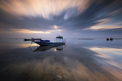 Cool Speed (Tony N.) Tags: france gironde aquitaine nouvelleaquitaine capferret petitpiquey plate bateaux boats morning matin poselongue longexposure sky ciel reflets reflections clouds nuages nikkor1635f4 nikon d810 vanguard nisi nisiprov5 nisicplpro nisignd8soft nisind1000 tonyn tonynunkovics