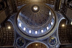 The great dome | St. Peter's Basilica [EXPLORE] (eyenamic) Tags: dome sculpture architecture michelangelo church vatican vaticancity rome italy basilica stpetersbasilica nikon d5100