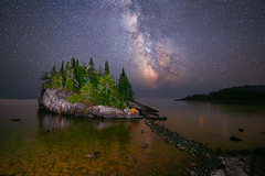 Light Up The Darkness (Mike Plucker) Tags: milkyway stars lakesuperior minnesota night starry starrynight