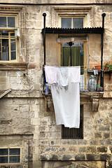 IiIiIiI (Siuloon) Tags: maltese malta malte valletta architektura architecture architettura clening wall balconies balkone window