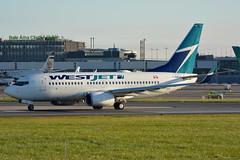 C-GWJG Westjet Boeing 737-700 EIDW 27/9/18 (David K- IOM Pics) Tags: eidw dub dublin collinstown airport wja west jet westjet boeing 737 737700 b737 cgwjg