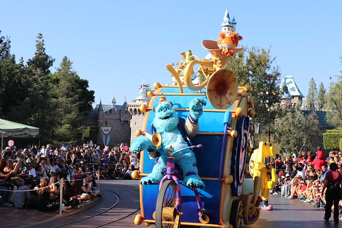 """Monsters University Unit - Pixar Play Parade • <a style=""""font-size:0.8em;"""" href=""""http://www.flickr.com/photos/28558260@N04/46042145891/"""" target=""""_blank"""">View on Flickr</a>"""
