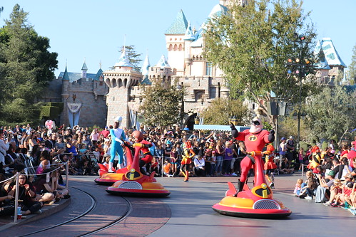 """The Incredibles Unit - Pixar Play Parade • <a style=""""font-size:0.8em;"""" href=""""http://www.flickr.com/photos/28558260@N04/46042150081/"""" target=""""_blank"""">View on Flickr</a>"""