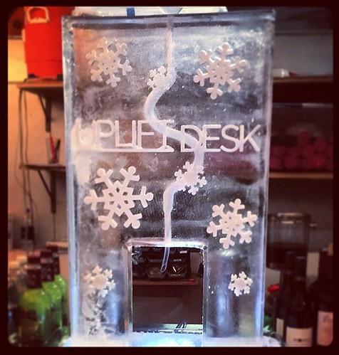 @upliftdesk knows how to celebrate the #holidayseason #fullspectrumice #iceluge #thinkoutsidetheblocks #brrriliant - Full Spectrum Ice Sculpture