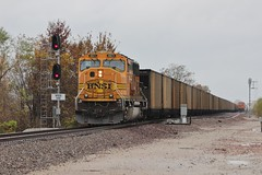 Good Ole Mac (Matt_Schimmel) Tags: bnsf burlingtonnorthernsantafe emd sd70mac h2 signal gibb missouri hannibalsub kline coal train freight meet ameren ucex classic locomotive railroad rail scenic