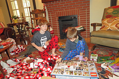 christmasboss (FAIRFIELDFAMILY) Tags: christmas 2018 jason taylor grant carson michelle winnsboro sc south carolina present presents family living room house interior arts crafts craftsman bungalow antique fireplace rug lego legos child boy young old children boys mother son fairfield county vintage tree morris chair oak mantle piece