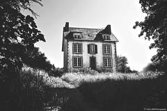 Maison Bretonne (TIOGRIS (Clém VDB)) Tags: maison architecture abandoned monochrome noiretblanc blackandwhite 2018 bretagne decay old hous oldhous vieillemaison finistère bw nb