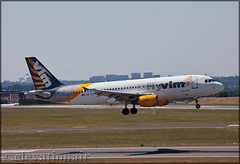 OO-TCT Airbus A320-212 VLM Airlines (elevationair ✈) Tags: ebbr bru brussels airport zaventem zaventemairport belgium europe arrival landing sun sunny sunshine summer airbus avgeek aviation airplane plane aircraft thomascook vlm vlmairlines a320 airbusa320212 ootct flyvlm