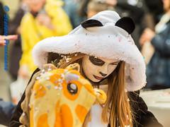 Au Carnaval d'Estavayer (Stefano Procenzano) Tags: estavayer fr svizzera ch cantonfribourg carnavaldestavayer carnaval carnevale carnival nikon nikkor d750 nikond750 nikkor80200mmf28edaf 80200mm f28 80200mmf28 portrait people availablelight reportage