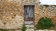 CORTS - PORTA (Joan Biarnés) Tags: corts pladelestany girona catalunya porta puerta 294 panasonicfz1000