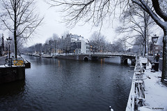 Amsterdam, (alamsterdam) Tags: amsterdam winter snow canal herengracht people houseboats cars bikes brouwersgracht