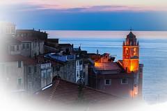 Mare tranquillo... (giobertaskin) Tags: calmo tranquillo tetti sea mare sera tellaro