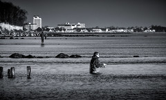 Neujahrs Angler (Jose Maria Photo-Art) Tags: ostsee colores licht light luz angler agua art arte monochrom see meer mann motiv