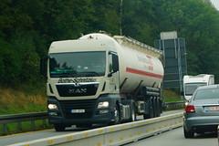 MAN TGX XLX E6 18.420 BLS - Bothe-Schnitzius CZ Spol Sro Olomouc, Czech Republic (Celik Pictures) Tags: deutschland duitsland almanya allemagne germany a3 e56 autobahn snellbahn snelweg motorvag highway subena3e56dat suben passa nürnberg würzburg frankfurt köln a3e56autobahnpassaunürnbergwürzburgfrankfurtkölndeutschland europe europa westeurope seenindeutschland vacationphotos rijdendvoertuigen movingvehicles yürüyenaraçlar agirvasitalar voertuigen vehicles roadvehicles roadphotos roads driving transport shootedonhighway shootedfromhighway shootedfromcar lkw pkw lorry hgv vrachtwagens truck freeway roadconstructions baustelleautobahn baustelle highwayinconstruction man tgx xlx e6 18420 bls 3sc9734 botheschnitzius cz spol sro botheschnitziusczspolsro olomouc czechrepublic czechslovakia czech