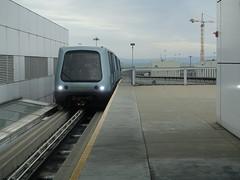 201809134 San Francisco airport airtrain (taigatrommelchen) Tags: 20180939 usa ca california sanfrancisco railway railroad mass transit elevated train airport sfo ksfo