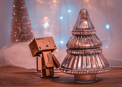 Too soon? (hey ~ it's me lea) Tags: danbo christmas christmastree
